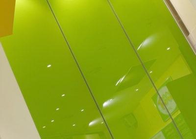 Interior-Coloured-Glass-splashbac
