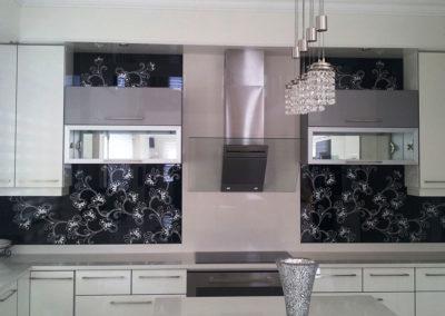 kitchen-coloured-glass-design